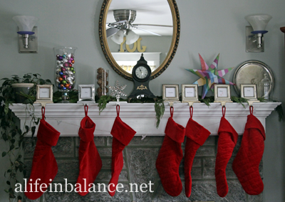 Christmas 2013 House Tour: Living Room Mantel