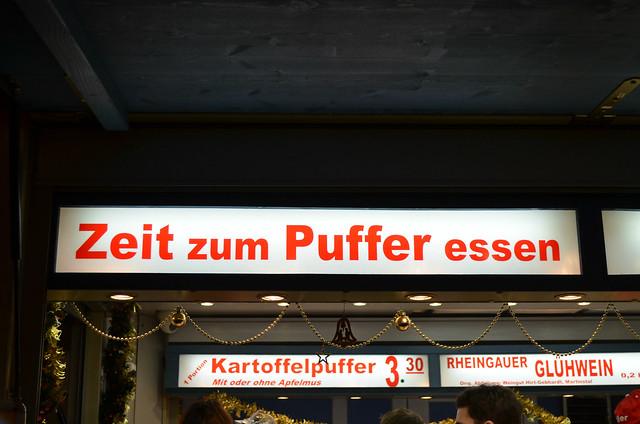 Wiesbaden Sternschnuppenmarkt Christmas Kartoffelpuffer stand