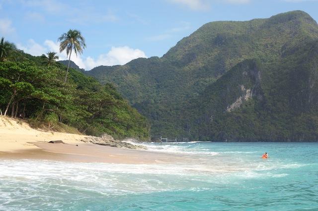 El Nido Palawan island hopping Helicoter Island beach