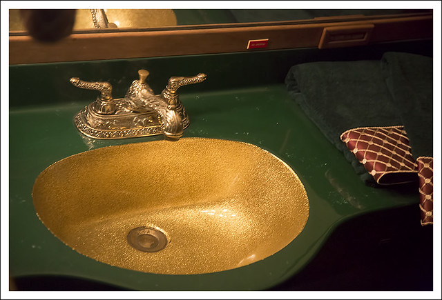 Graceland 22 (Lavatory On The The Lisa Marie)