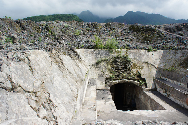 Yogyakarta - Gunung Merapi 4x4 Jeep tour - bunker