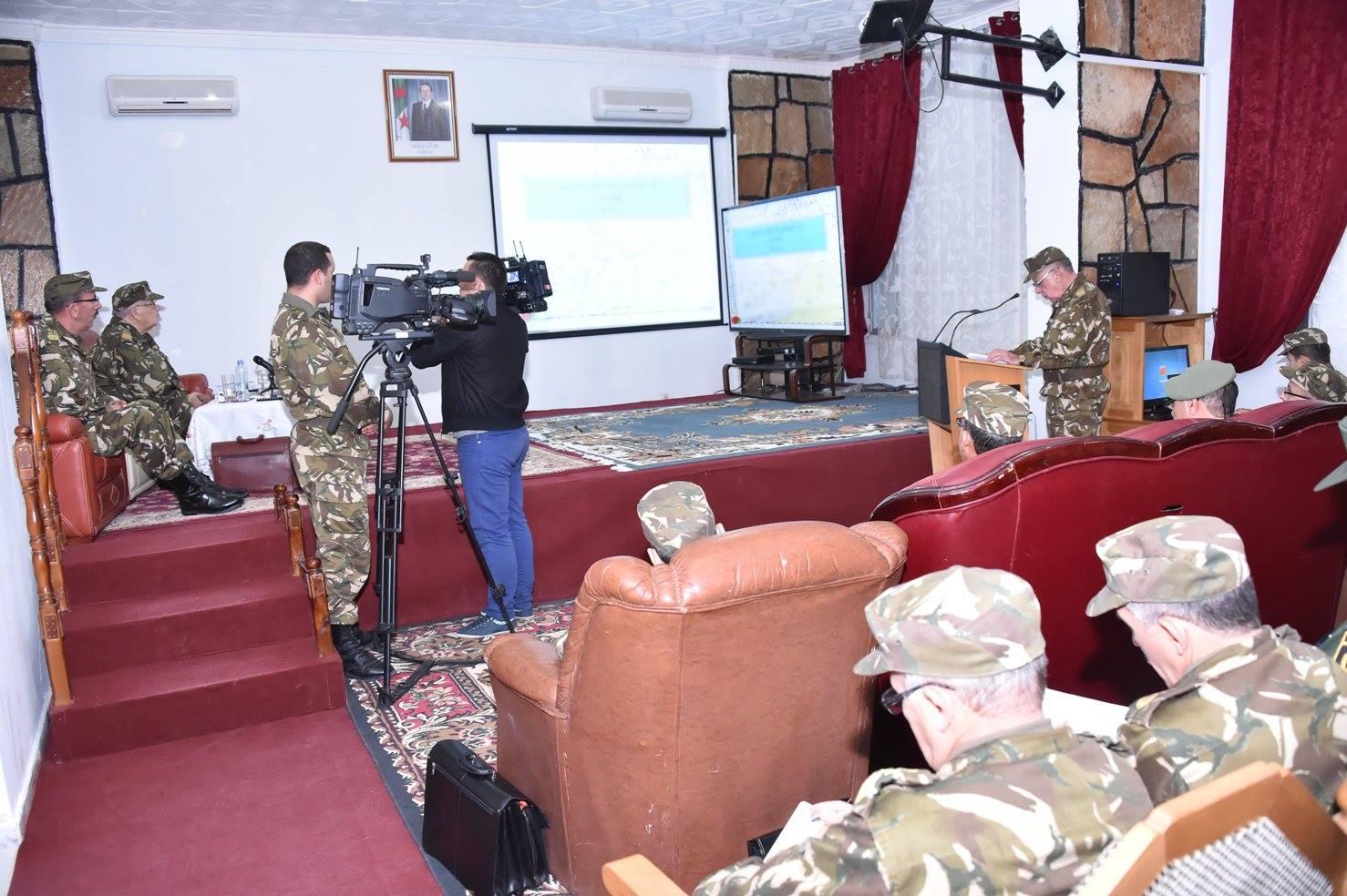 الجزائر : صلاحيات نائب وزير الدفاع الوطني - صفحة 5 30267285184_1b3f32b1be_o