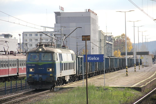 PKP CARGO ET22-1060 , Kielce train station 26.10.2016 | by szogun000