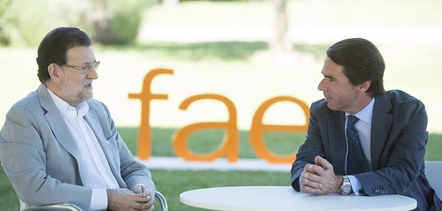 Mariano Rajoy con José María Aznar