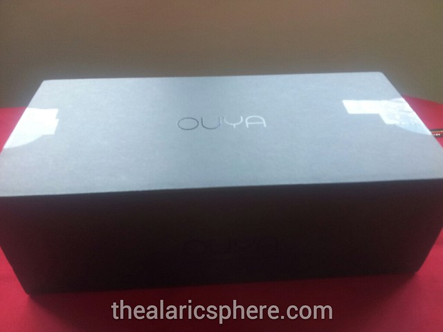 Ouya-Unboxing-box