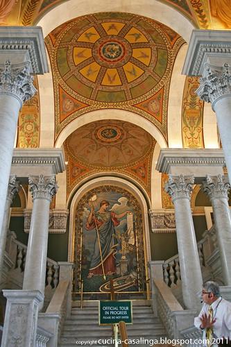 Kongressbiblio Aufgang Tour