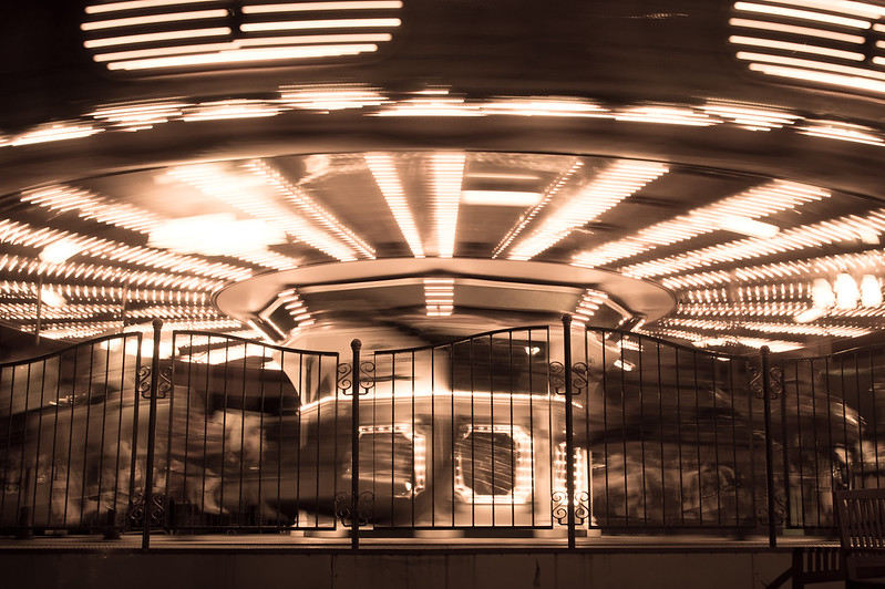 Merry-go-round / メリーゴーランド