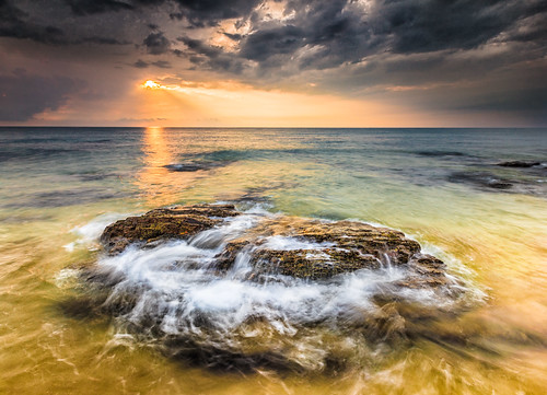 sunlight beach water beautiful sunrise canon waves cloudy explore filter malaysia 5d terengganu explored singhray proglass 5dmarkii 1635f28mk2