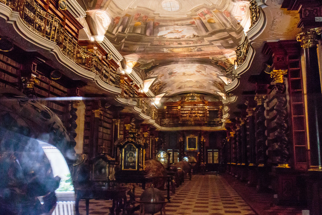 קלמנטינום - הספרייה העירונית