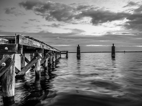sky blackandwhite bw usa cloud lake water weather sunrise landscape dawn dock florida panasonic sanford centralflorida gx7 dmcgx7