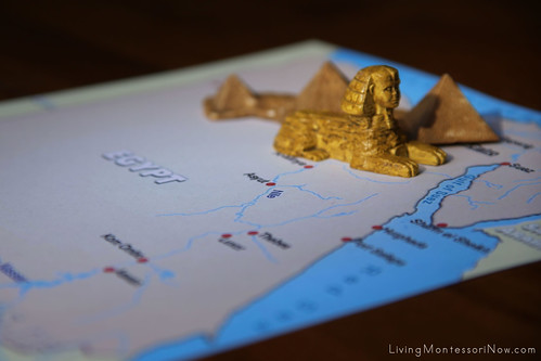 Egyptian Landmarks on Political Map of Egypt