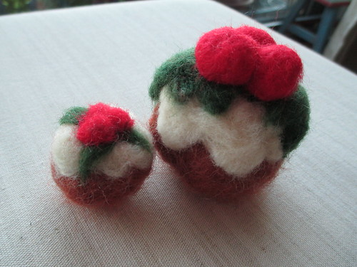 Felted christmas puds