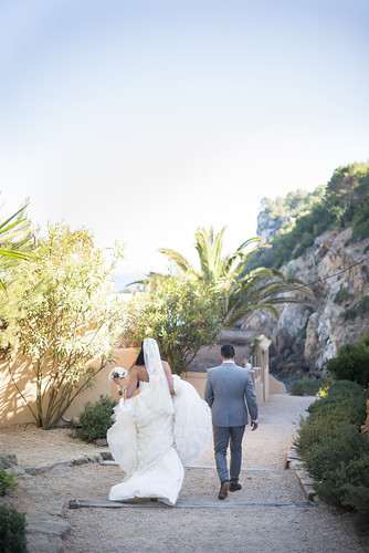 Georgia & John, real Ibiza wedding