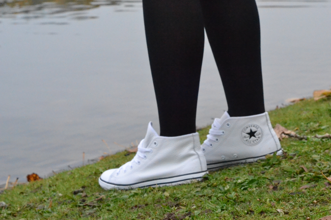 Daisybutter - UK Style and Fashion Blog: what i wore, ootd, fashion blogger, converse, converse dainty mid-top, leather converse, white converse, longchamp le pliage