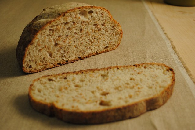 Rye and linseed sliced