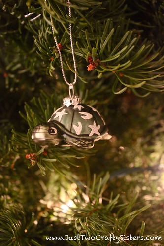 Hawaiian turtle christmas ornament