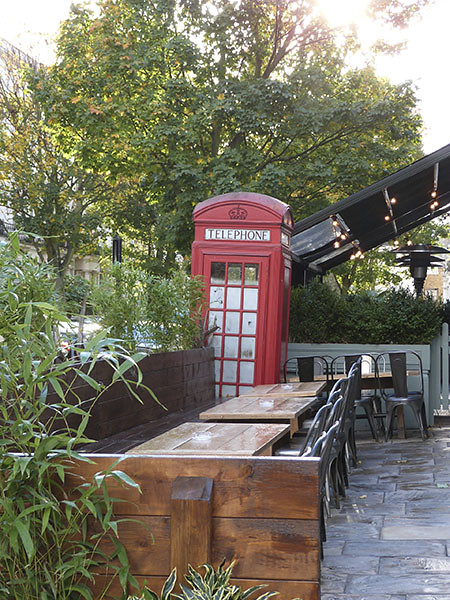 pub et téléphone