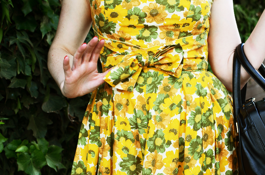 vintage-yellow-floral b