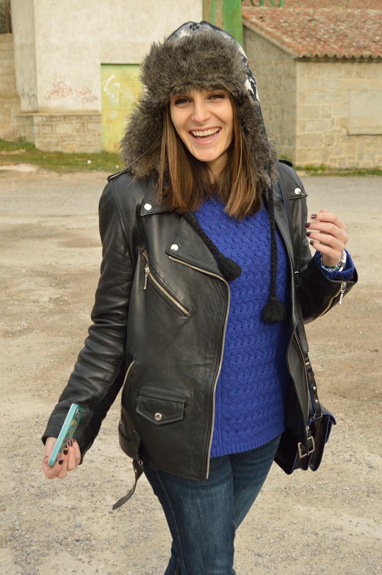 lara-vazquez-madlula-blog-fashion-winter-fur-hat-perfecto-jacket