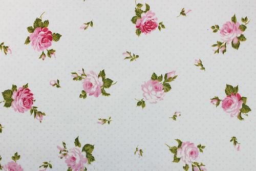 pink polkadots & blooming roses