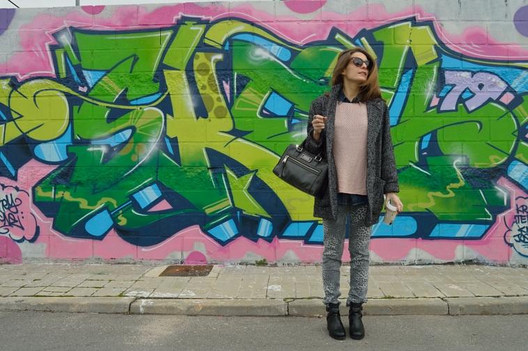 lara-vazquez-madlula-blog-fashion-trend-graffiti-soft-pink