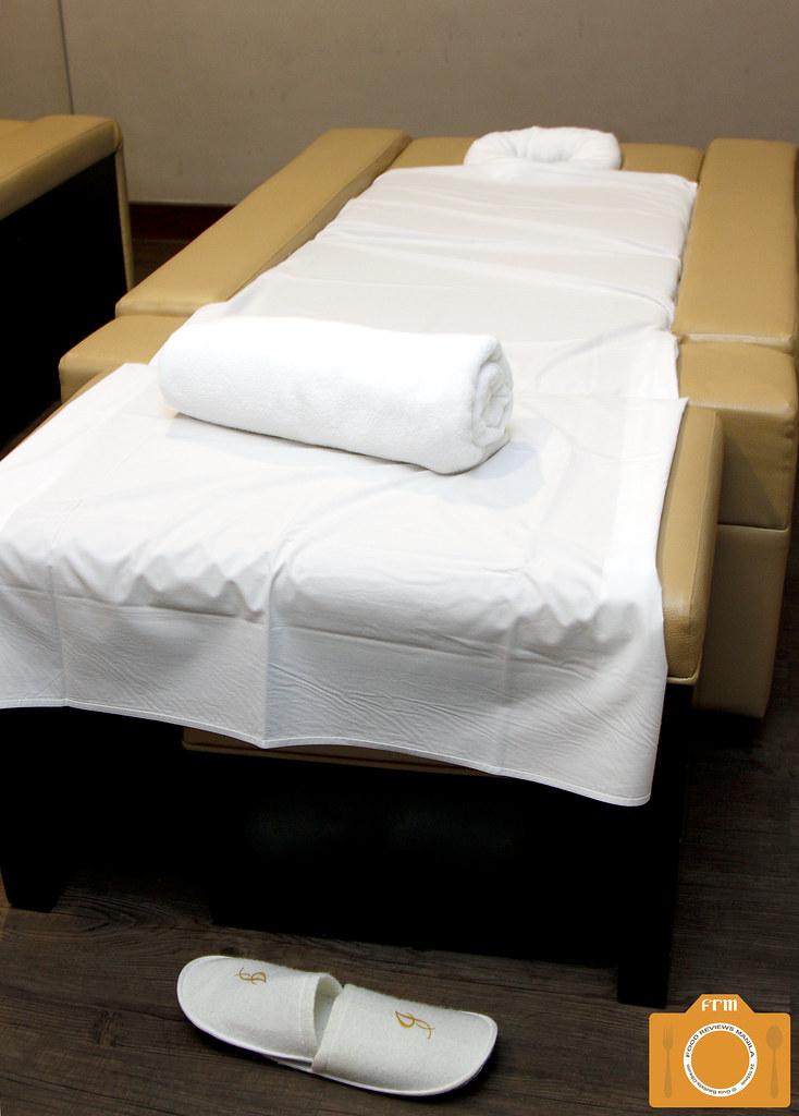 Azurea Spa massage bed
