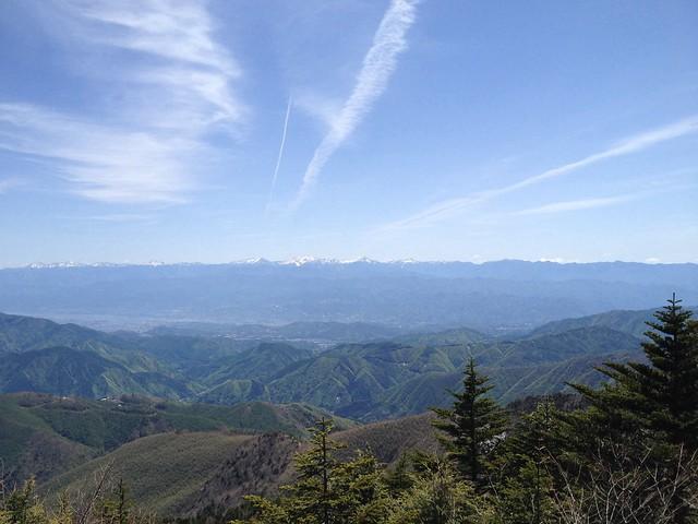 恵那山 山頂小屋裏の展望岩からの眺望 南アルプス