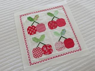mini cherry pie