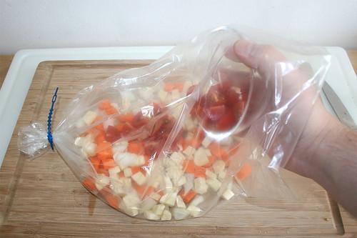 34 - Gemüse einfüllen / Fill in vegetables