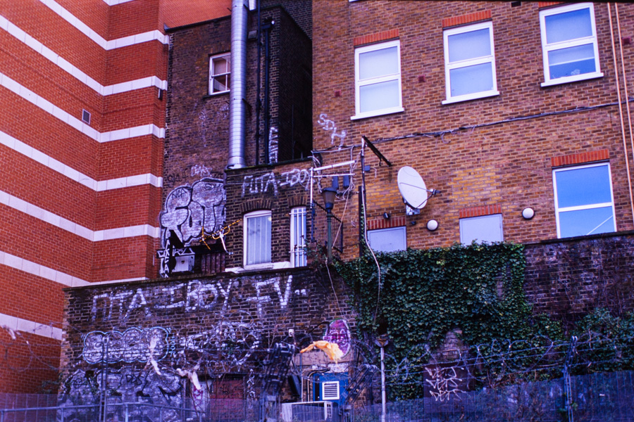 Analogt-London_14w-10