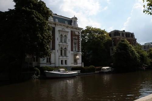 Lungo i canali del quartiere dei musei