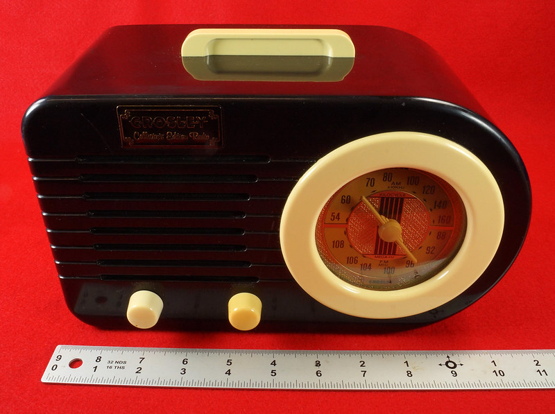 RD14835 RETRO Crosley CR-2  Collector's Edition AM FM Radio & Cassette Player with Fresh Prince Tape DSC06956