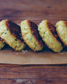 little_quinoa_patties-0511-wholeliving_l