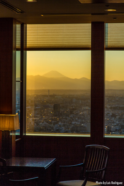 Monte Fuji al atardecer desde el hotel Park Hyatt Tokyo
