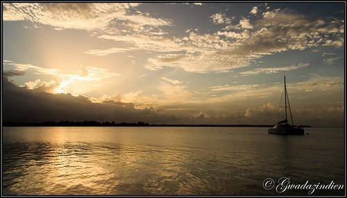 mer soleil eau nuage guadeloupe