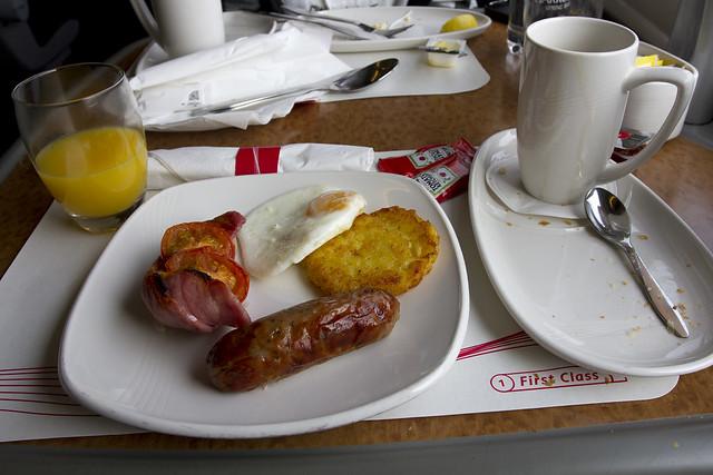 Virgin Class 390 Pendolino First Class Breakfast