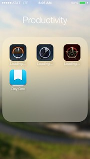 iOS7 Home Screen - Folders