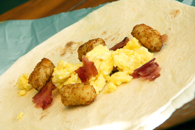 Inside-with-egg-bacon-and-tator-tots2