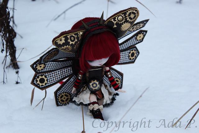 Eteenpäin, sanoi Icarus lumessa
