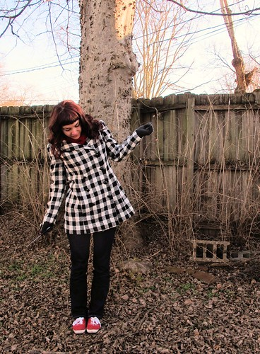 Black and white checked wool coat made with fabric from MoodFabrics.com and a vintage Vogue pattern.