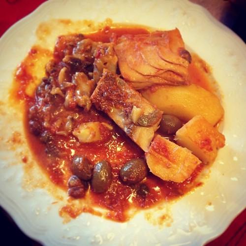 """Oggi a #CasaZaccone ci concentriamo su una ricetta tipica messinese: """"piscistoccu a ghiotta"""" @italiaintavola @igersitalia #italiaintavola #siciliaintavola #sicilia #messina #food #foodporn"""