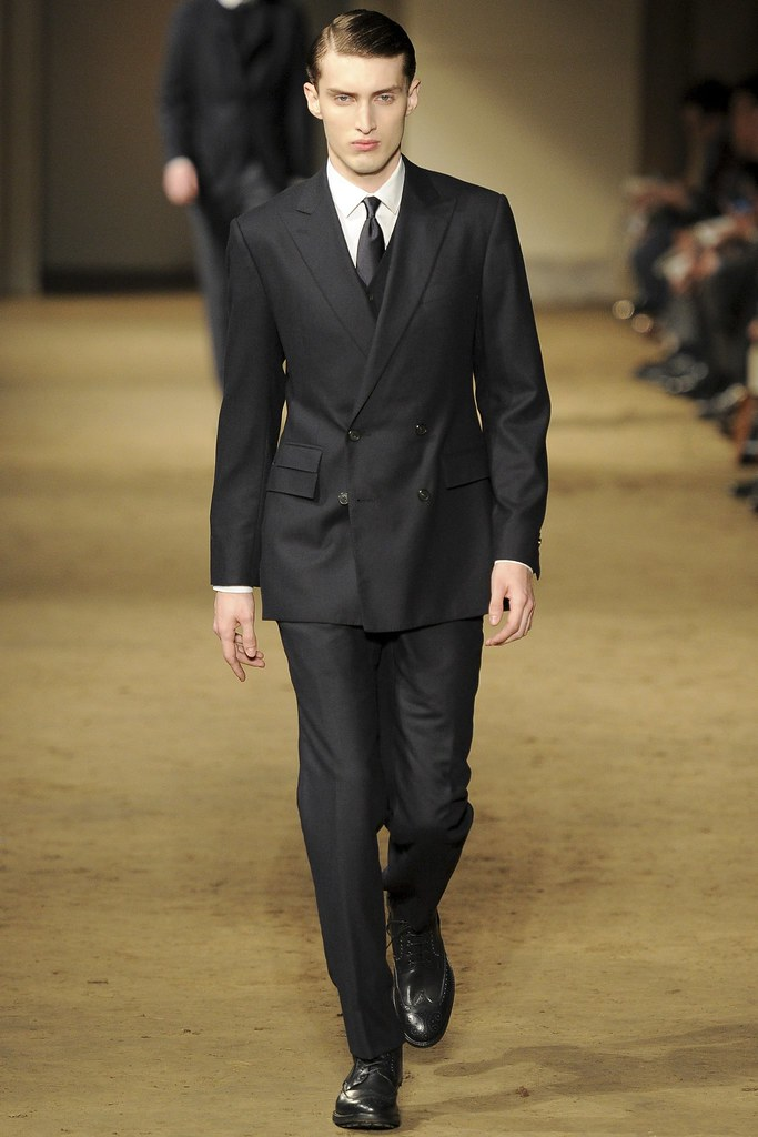 FW14 Milan Corneliani002_Charlie France(VOGUE)