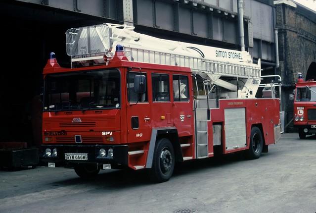 LFB Shelvoke & Drewery Simon SS220 HP6