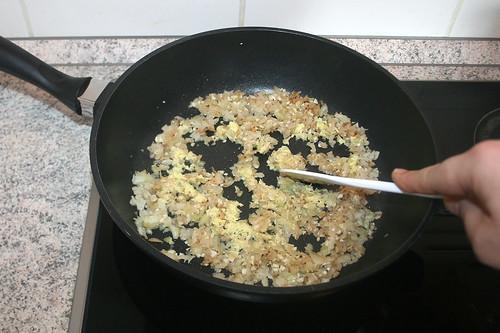 33 - Knoblauch & Ingwer anbraten / Braise garlic & ginger