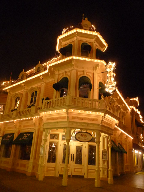 Walt's Restaurant at night, Panasonic DMC-SZ1