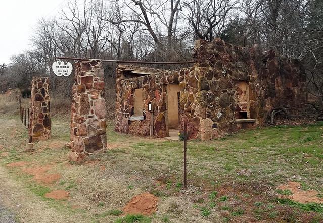 abandoned-gas-station