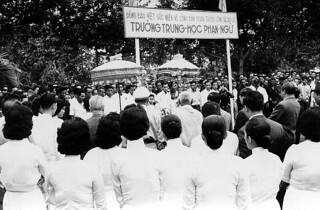 Vĩnh Bình 1963 - Xây dựng Trường Trung Học Phạn Ngữ (nay là tỉnh Trà Vinh)