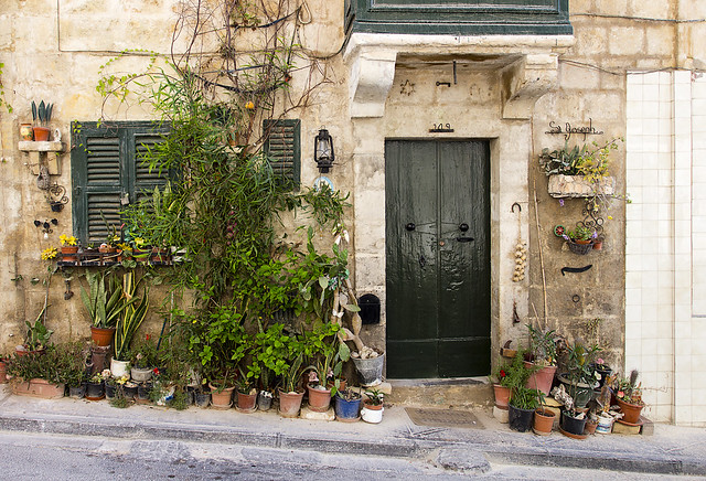 Secret garden in L Isla - Malta