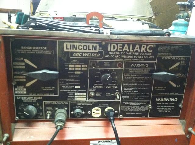 Lincoln IdealARC TIG-250//250 AC DC Tig Welder 6 available