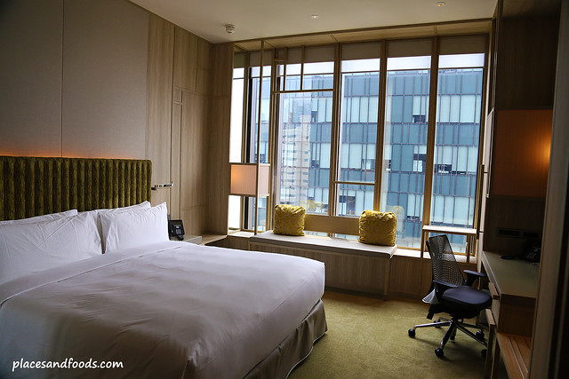 parkroyal on pickering hotel room